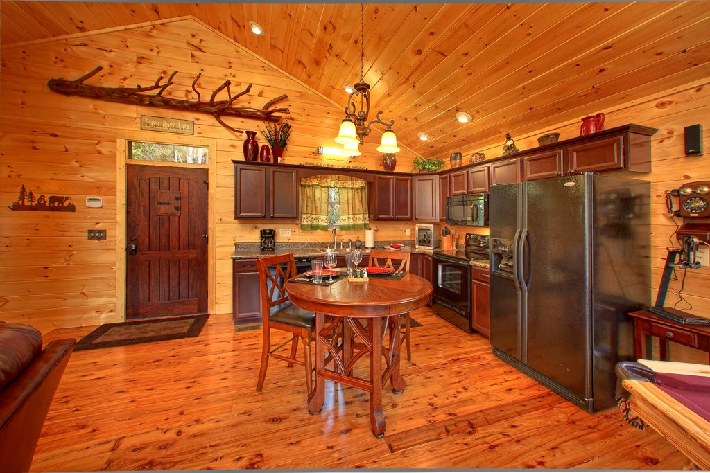 Photo of a Gatlinburg Cabin named Mountain Elegance - This is the ninth photo in the set.