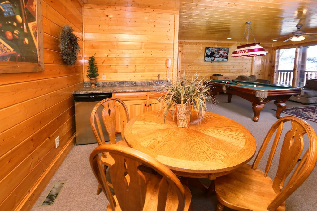 Photo of a Pigeon Forge Cabin named Rising Eagle Lodge - This is the sixteenth photo in the set.