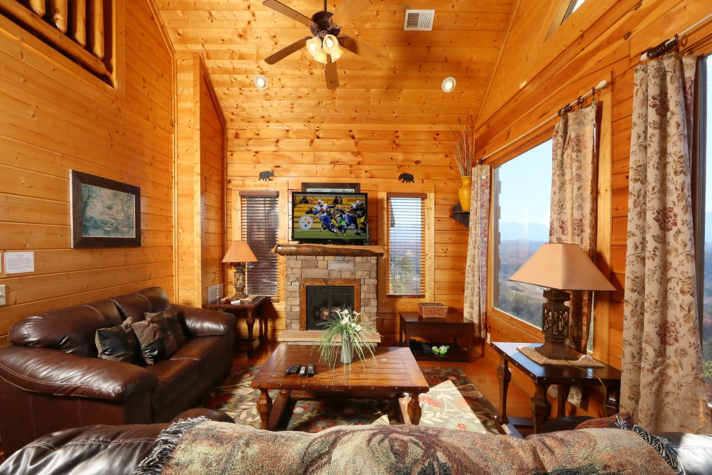 Photo of a Pigeon Forge Cabin named April Mist - This is the tenth photo in the set.