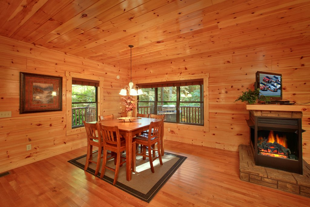 Photo of a Gatlinburg Cabin named Bear Cub Lodge - This is the twelfth photo in the set.