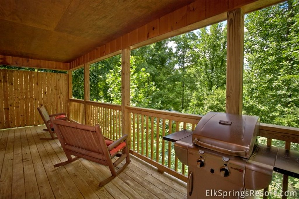 Photo of a Gatlinburg Cabin named Romance Inn - This is the second photo in the set.
