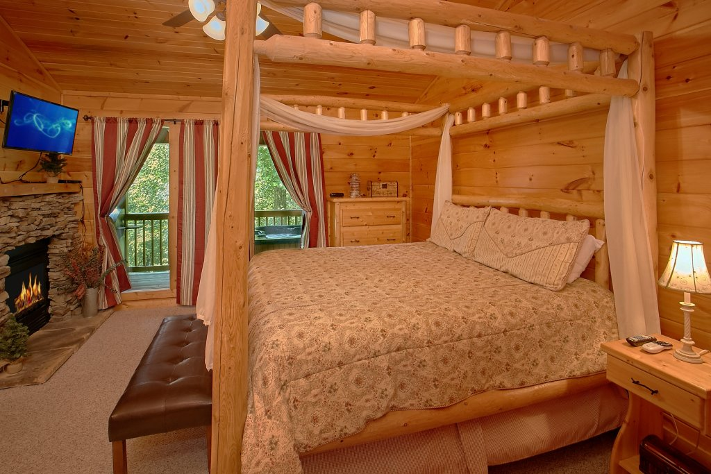 Photo of a Gatlinburg Cabin named Romance Inn - This is the forty-fifth photo in the set.