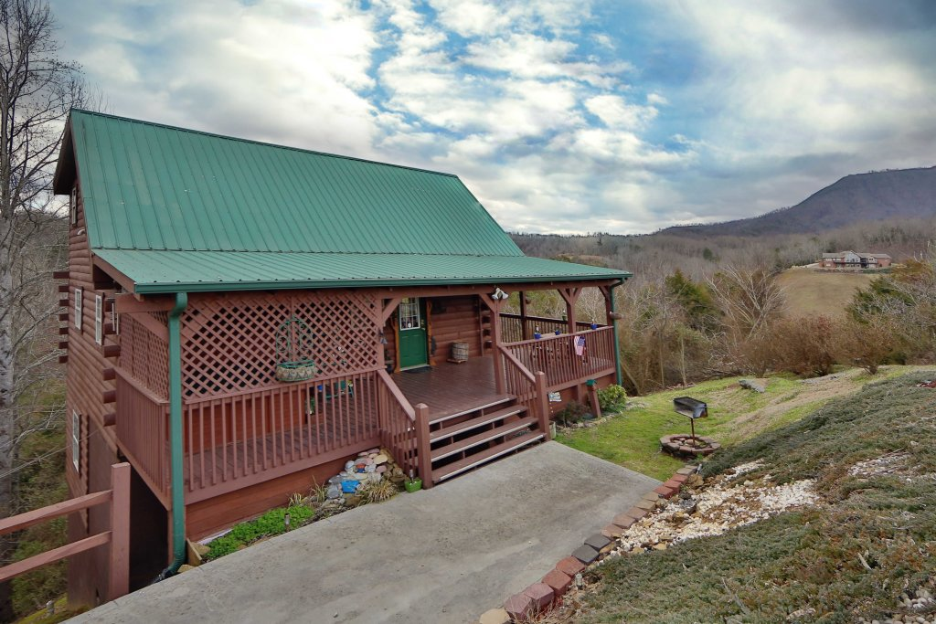 Photo of a Sevierville Cabin named Fireside Memories - This is the second photo in the set.