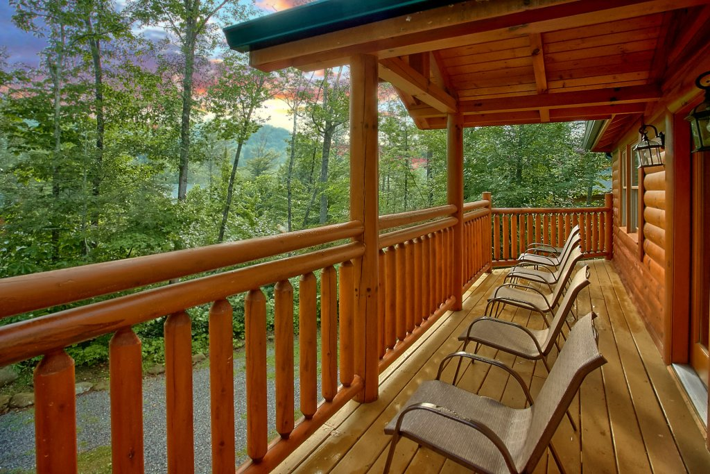 Photo of a Gatlinburg Cabin named Cherokee Pool Lodge - This is the thirtieth photo in the set.