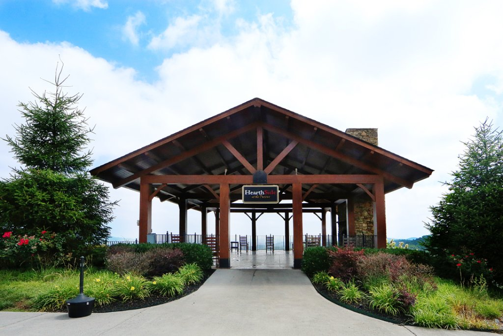 Photo of a Pigeon Forge Cabin named Estate Of Relaxation - This is the forty-second photo in the set.