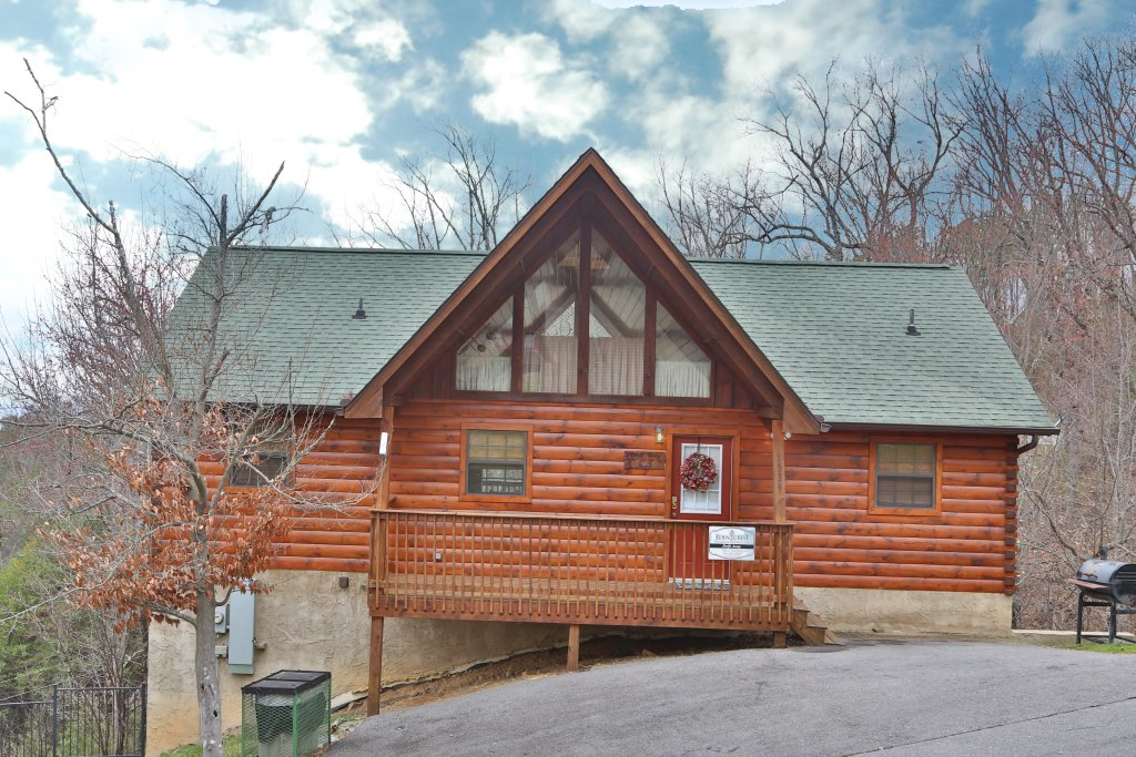 Photo of a Pigeon Forge Cabin named Drift Away - This is the fifth photo in the set.