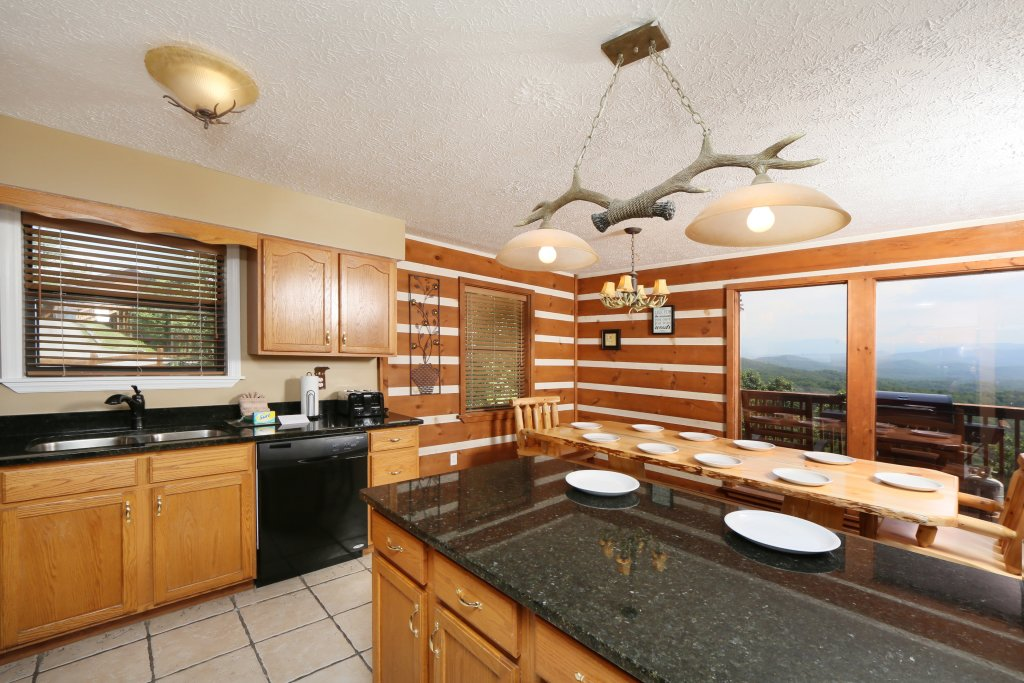 Photo of a Pigeon Forge Cabin named Smoky View Top Shelf - This is the thirtieth photo in the set.