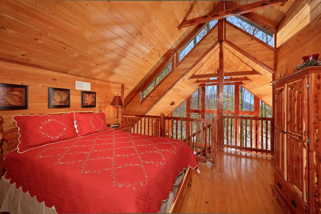 Photo of a Gatlinburg Cabin named Smoky Mountain Romance - This is the eleventh photo in the set.