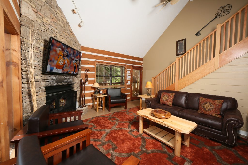 Photo of a Pigeon Forge Cabin named Smoky View Top Shelf - This is the ninth photo in the set.