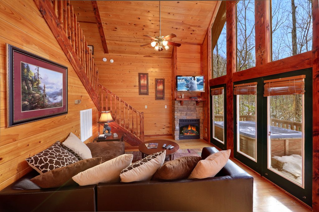 Photo of a Gatlinburg Cabin named Smoky Mountain Romance - This is the fifth photo in the set.