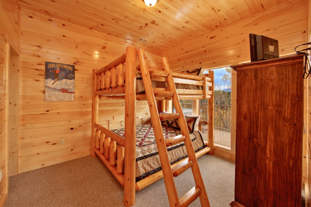 Photo of a Gatlinburg Cabin named Eagles Nest - This is the eighteenth photo in the set.