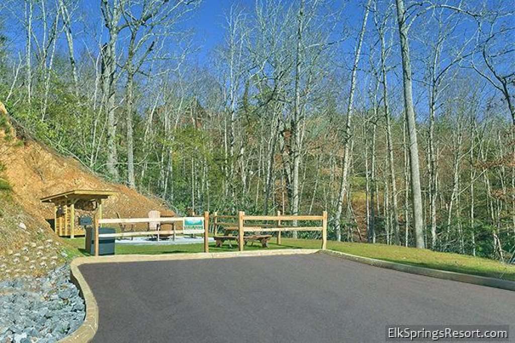 Photo of a Gatlinburg Cabin named Bear Den - This is the eighteenth photo in the set.