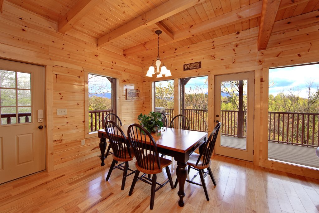 Photo of a Gatlinburg Cabin named Eagles Nest - This is the eleventh photo in the set.