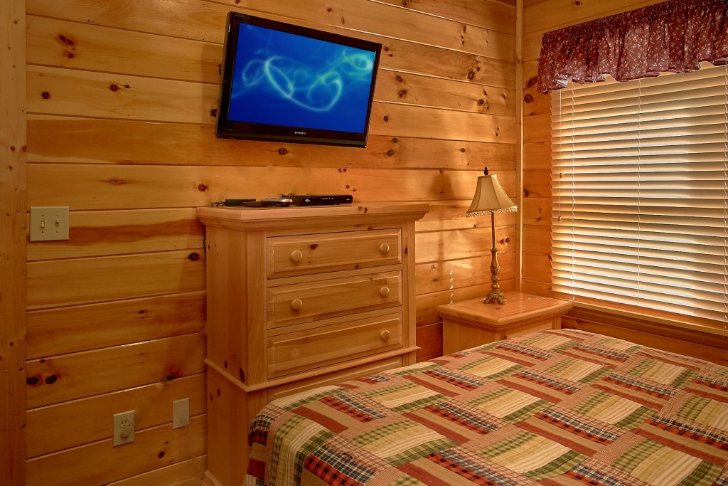 Photo of a Pigeon Forge Cabin named A Mountain View Theater Lodge - This is the forty-second photo in the set.