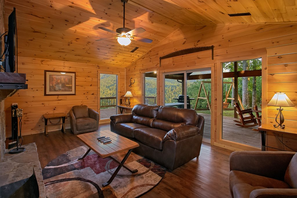 Photo of a Gatlinburg Cabin named Another Day In Paradise - This is the thirteenth photo in the set.