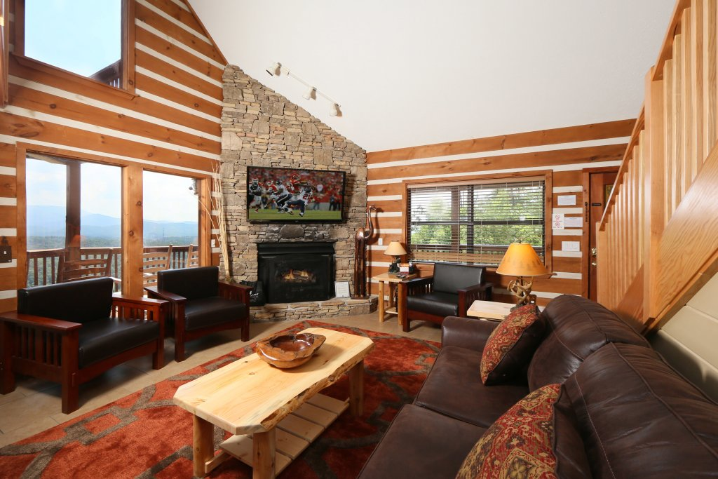 Photo of a Pigeon Forge Cabin named Smoky View Top Shelf - This is the tenth photo in the set.