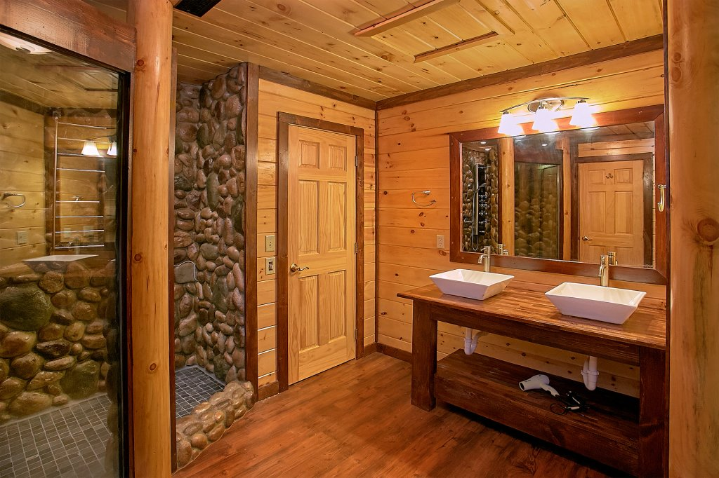 Photo of a Gatlinburg Cabin named Another Day In Paradise - This is the seventeenth photo in the set.