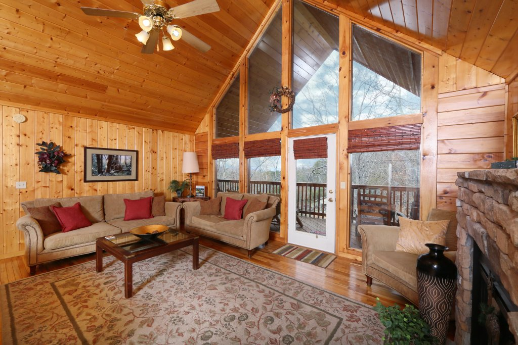 Photo of a Pigeon Forge Cabin named Drift Away - This is the eleventh photo in the set.