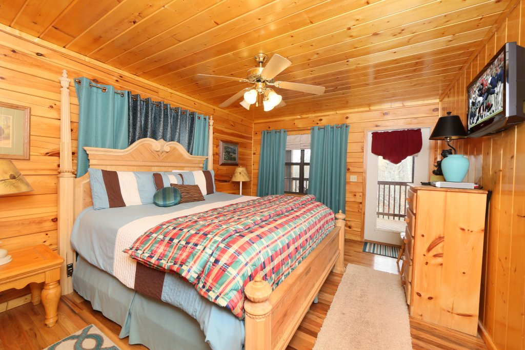 Photo of a Pigeon Forge Cabin named Drift Away - This is the nineteenth photo in the set.