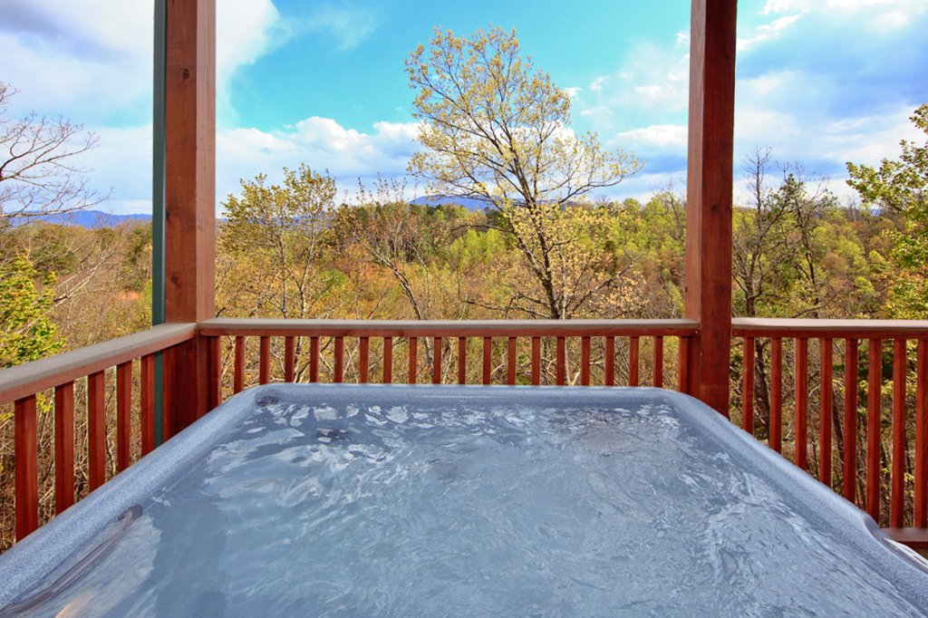 Photo of a Gatlinburg Cabin named Eagles Nest - This is the fifth photo in the set.