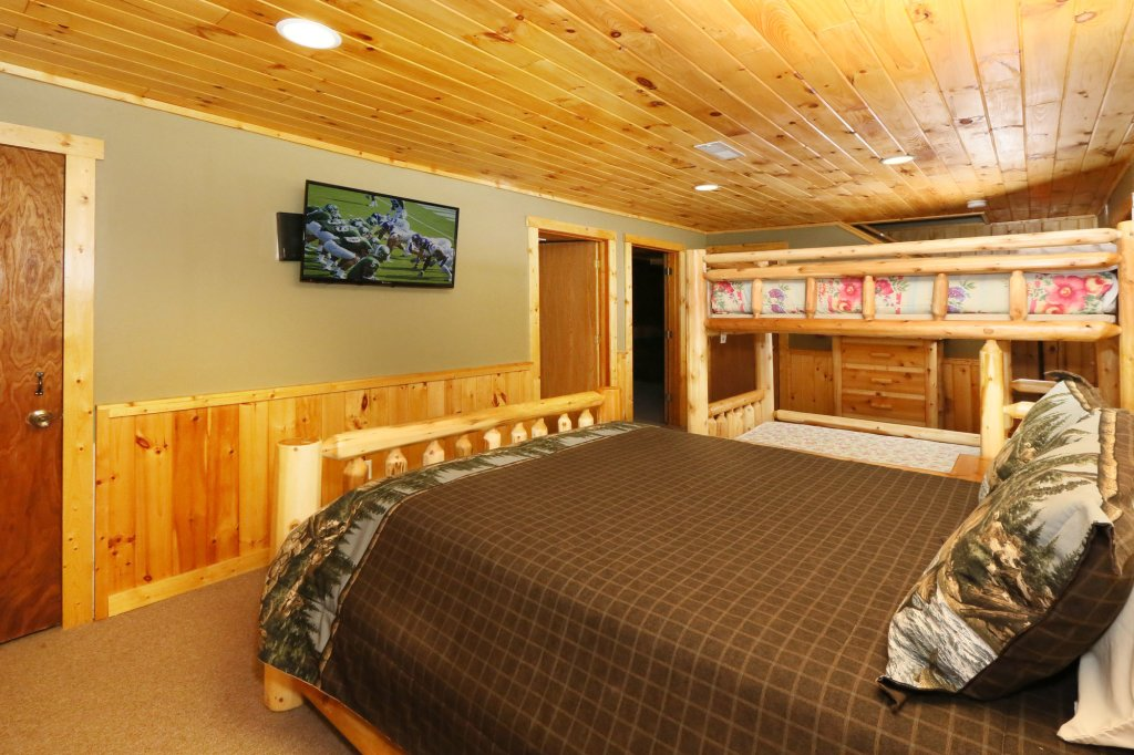 Photo of a Gatlinburg Cabin named Million Dollar View - This is the eighteenth photo in the set.