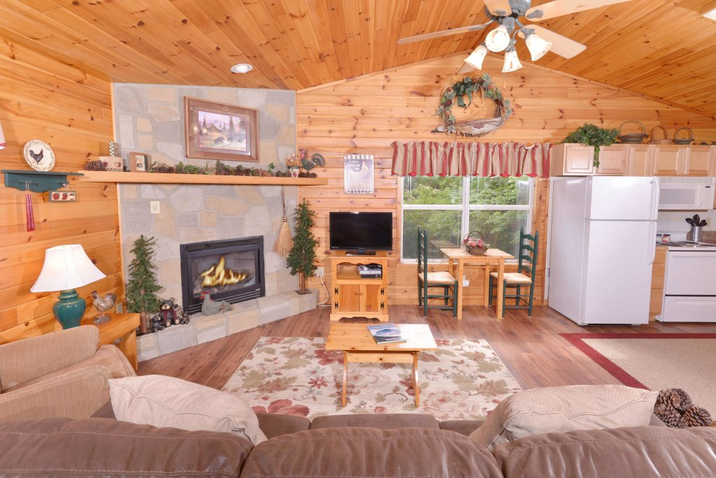 Photo of a Pigeon Forge Cabin named River Sounds #121 - This is the fifteenth photo in the set.