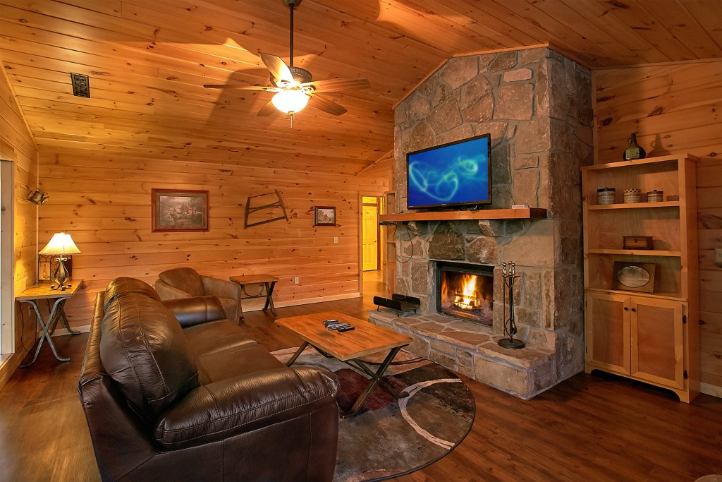 Photo of a Gatlinburg Cabin named Another Day In Paradise - This is the twelfth photo in the set.