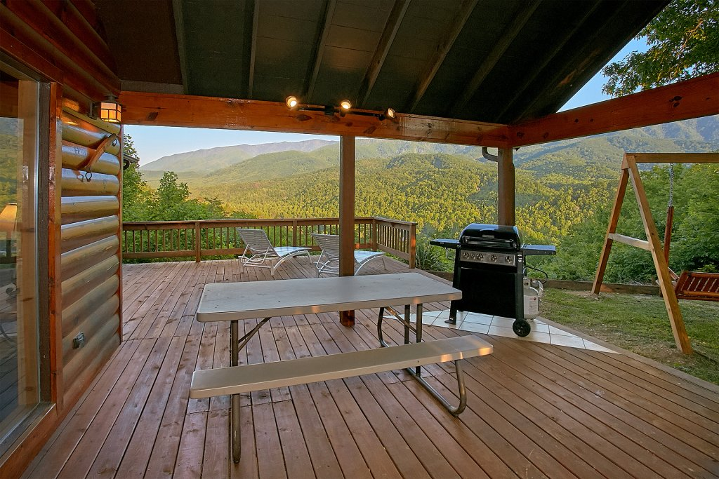Photo of a Gatlinburg Cabin named Another Day In Paradise - This is the sixth photo in the set.
