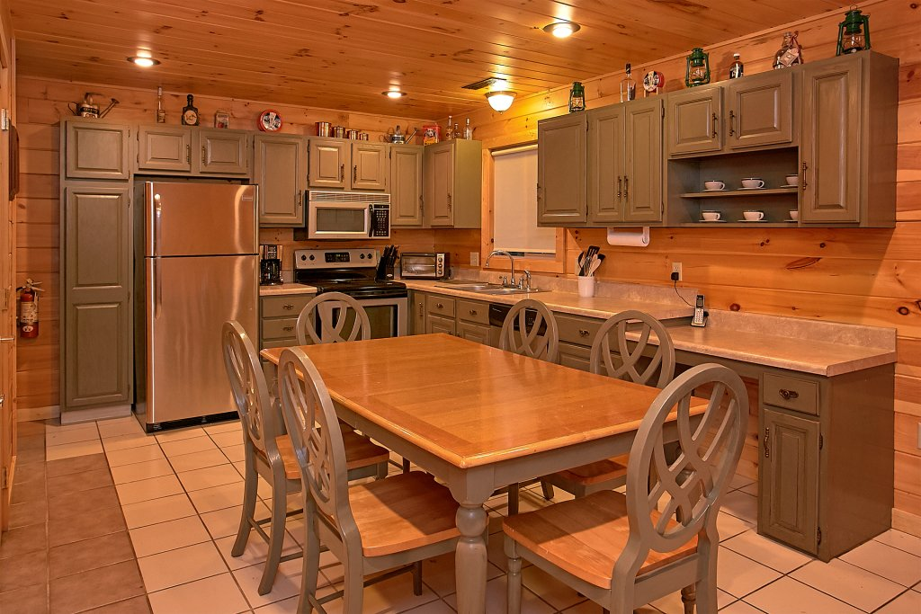 Photo of a Gatlinburg Cabin named Another Day In Paradise - This is the fourteenth photo in the set.