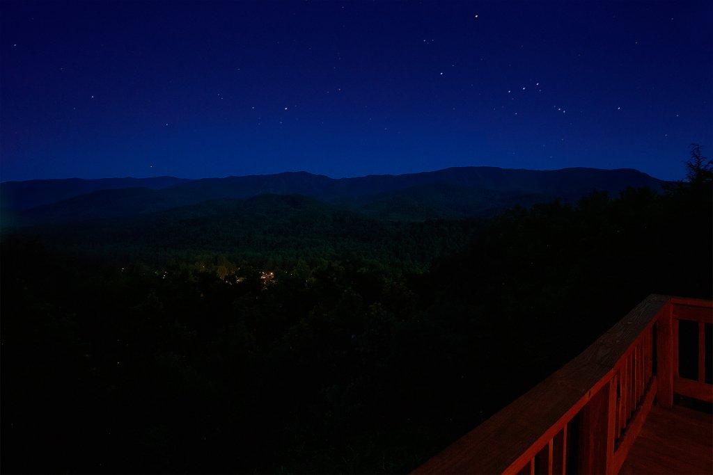 Photo of a Gatlinburg Cabin named Another Day In Paradise - This is the eighth photo in the set.