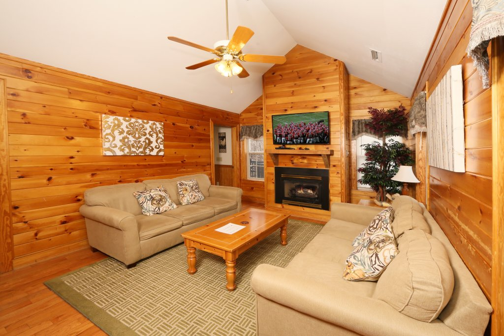 Photo of a Pigeon Forge Cabin named Ivy Falls (#9) - This is the sixth photo in the set.