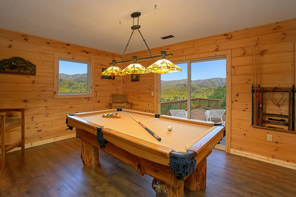 Photo of a Gatlinburg Cabin named Another Day In Paradise - This is the tenth photo in the set.