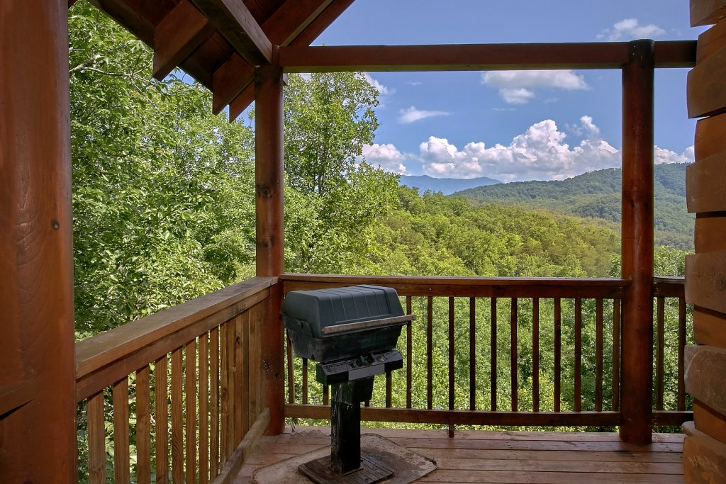 Photo of a Pigeon Forge Cabin named A Mountain View Theater Lodge - This is the forty-fourth photo in the set.