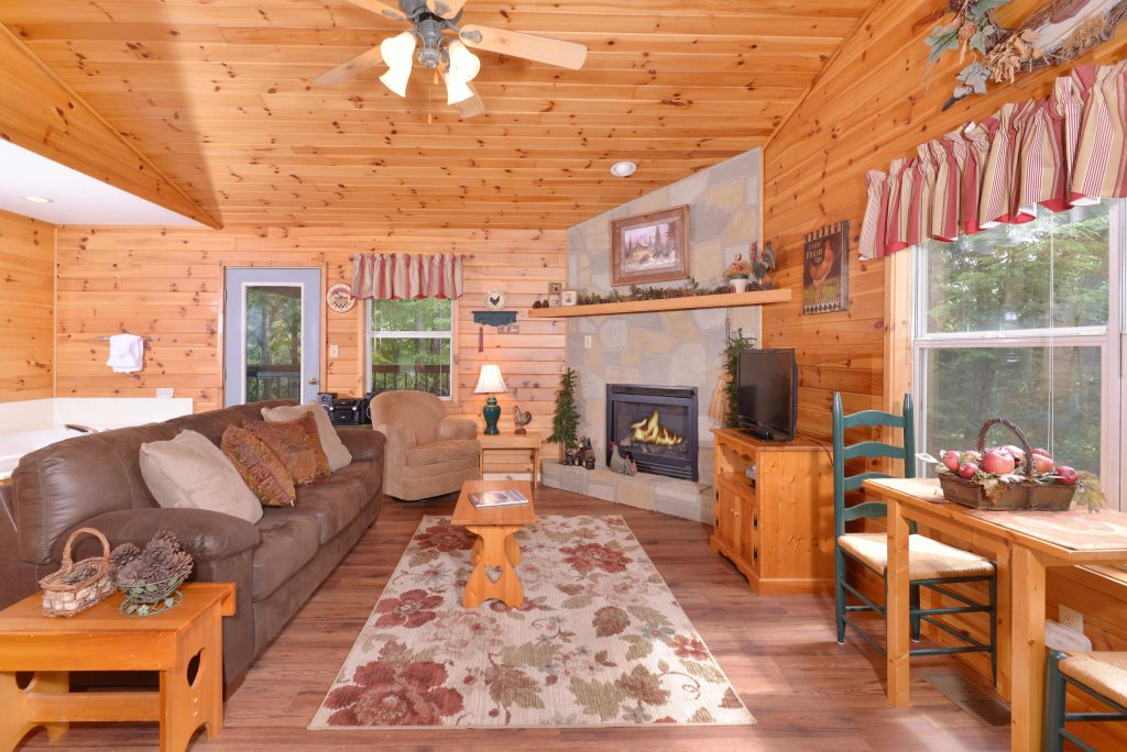 Photo of a Pigeon Forge Cabin named River Sounds #121 - This is the twelfth photo in the set.