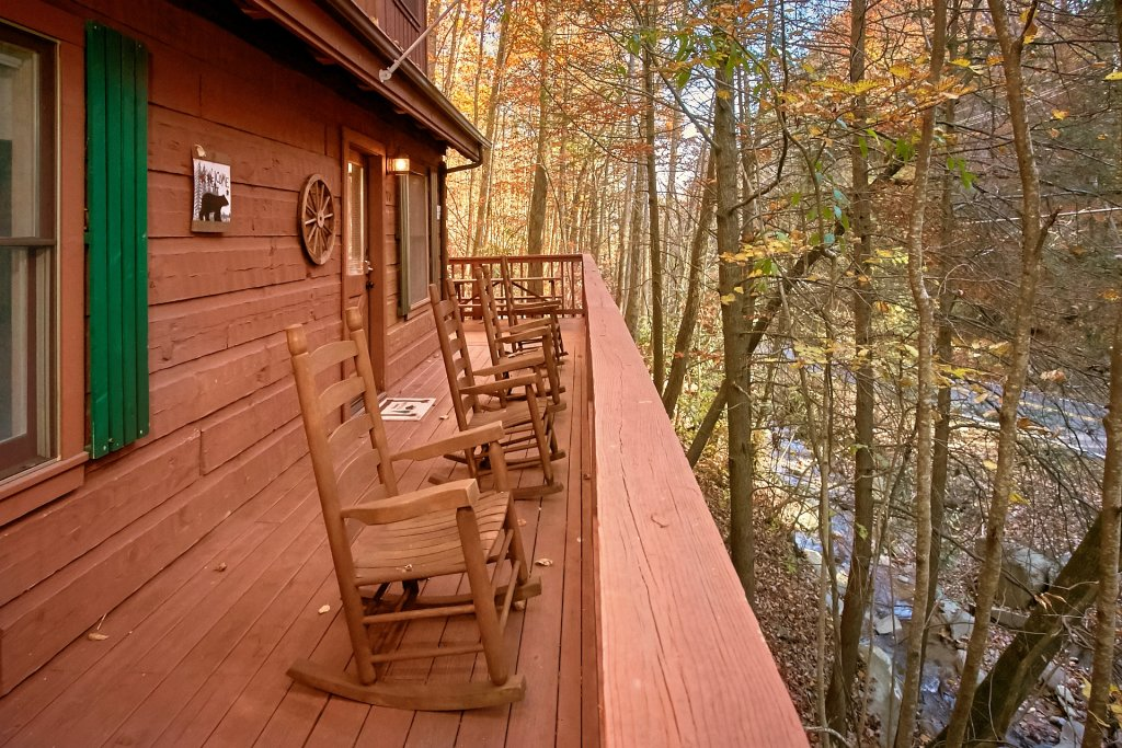 Photo of a Gatlinburg Cabin named Bear Creek - This is the thirty-second photo in the set.