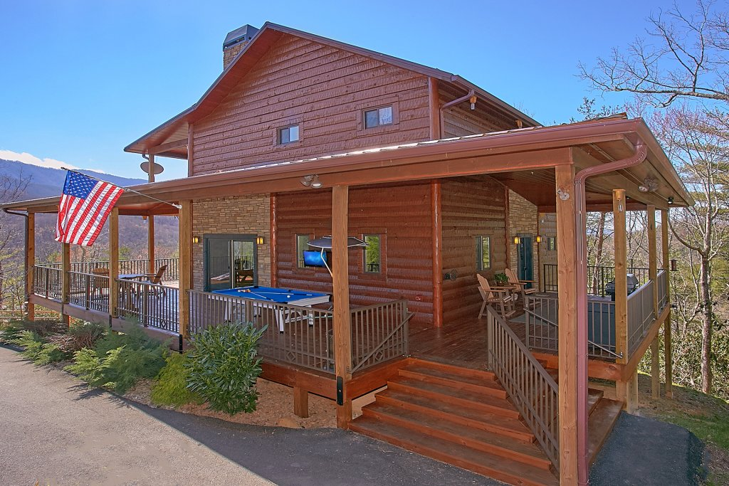 Photo of a Gatlinburg Cabin named Livin It Up - This is the twenty-eighth photo in the set.