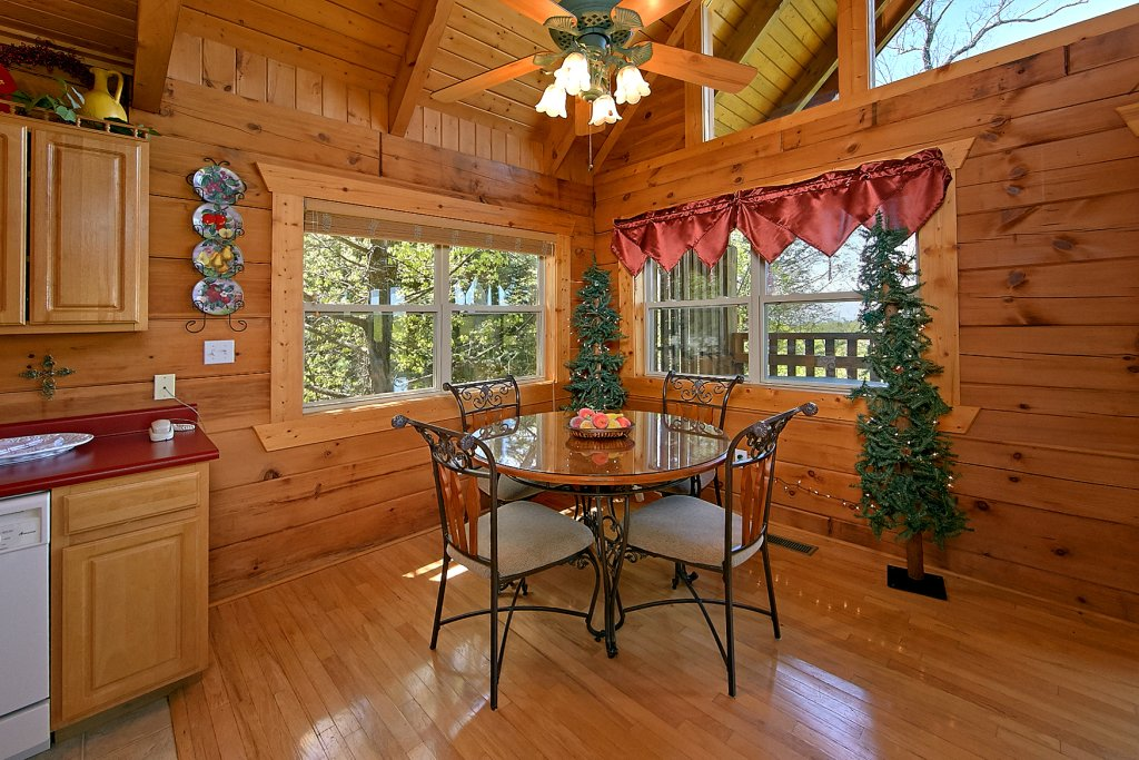 Photo of a Gatlinburg Cabin named American Dream #142 - This is the tenth photo in the set.