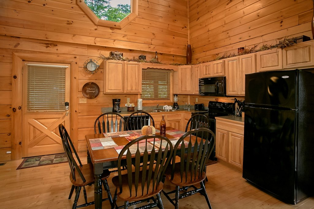 Photo of a Pigeon Forge Cabin named Autumn Blessings - This is the twenty-eighth photo in the set.