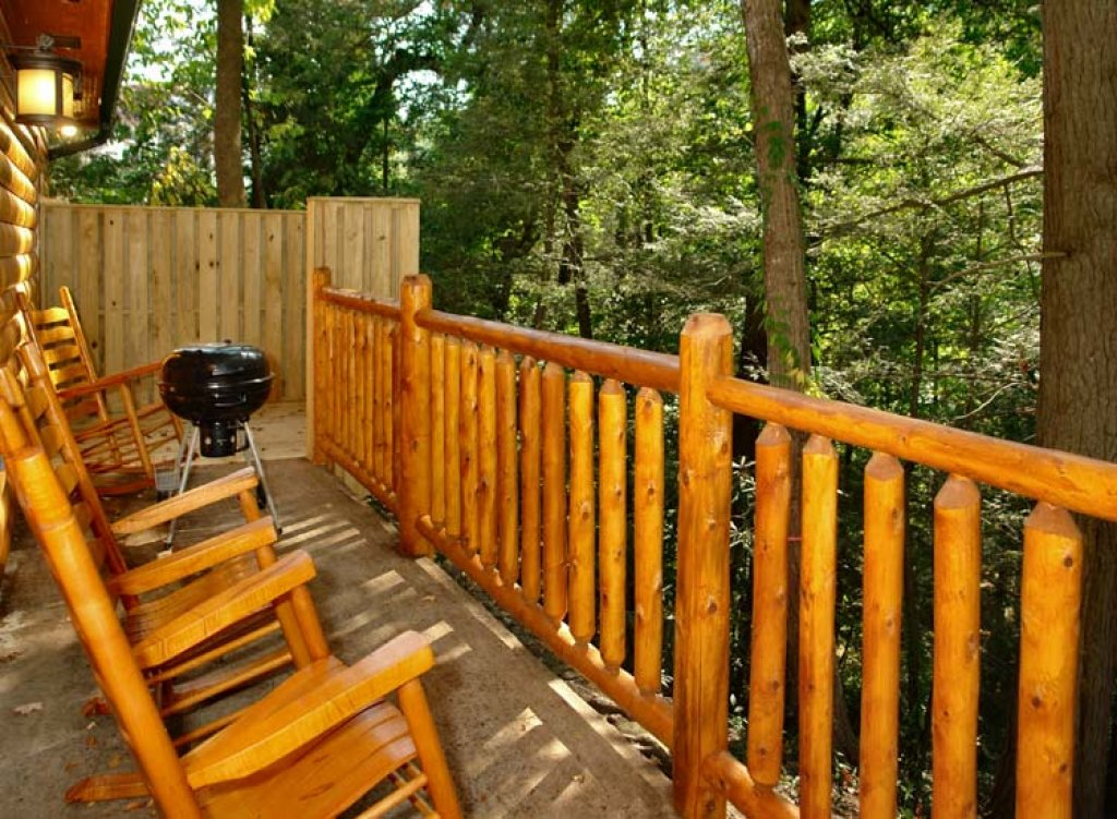 Photo of a Gatlinburg Cabin named Black Bear Hideaway Cabin - This is the second photo in the set.