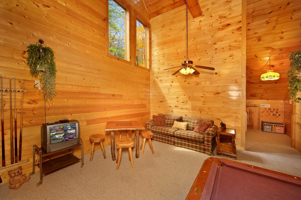 Photo of a Gatlinburg Cabin named Creeksong - This is the sixteenth photo in the set.