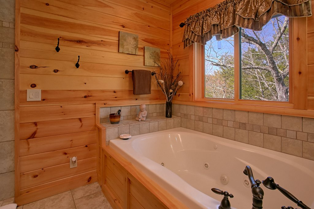 Photo of a Gatlinburg Cabin named Livin It Up - This is the twenty-fifth photo in the set.