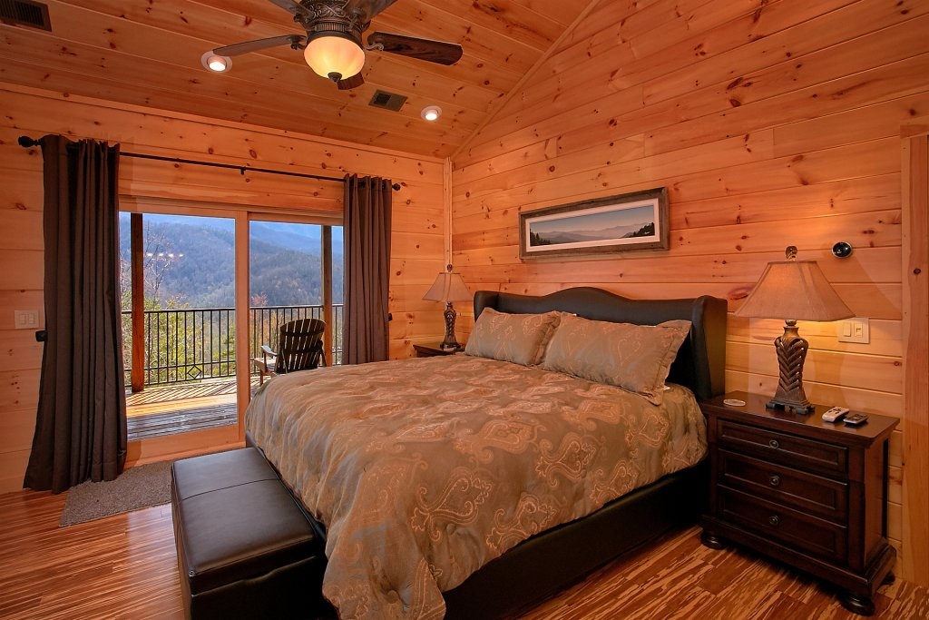 Photo of a Gatlinburg Cabin named Livin It Up - This is the twentieth photo in the set.