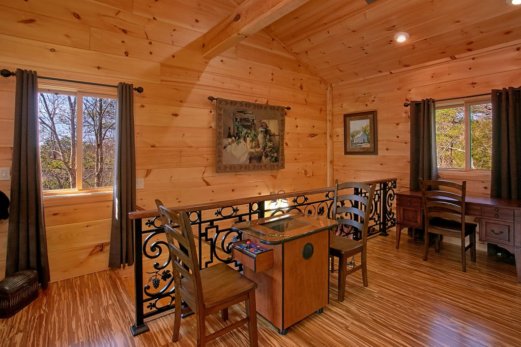Photo of a Gatlinburg Cabin named Livin It Up - This is the fourteenth photo in the set.