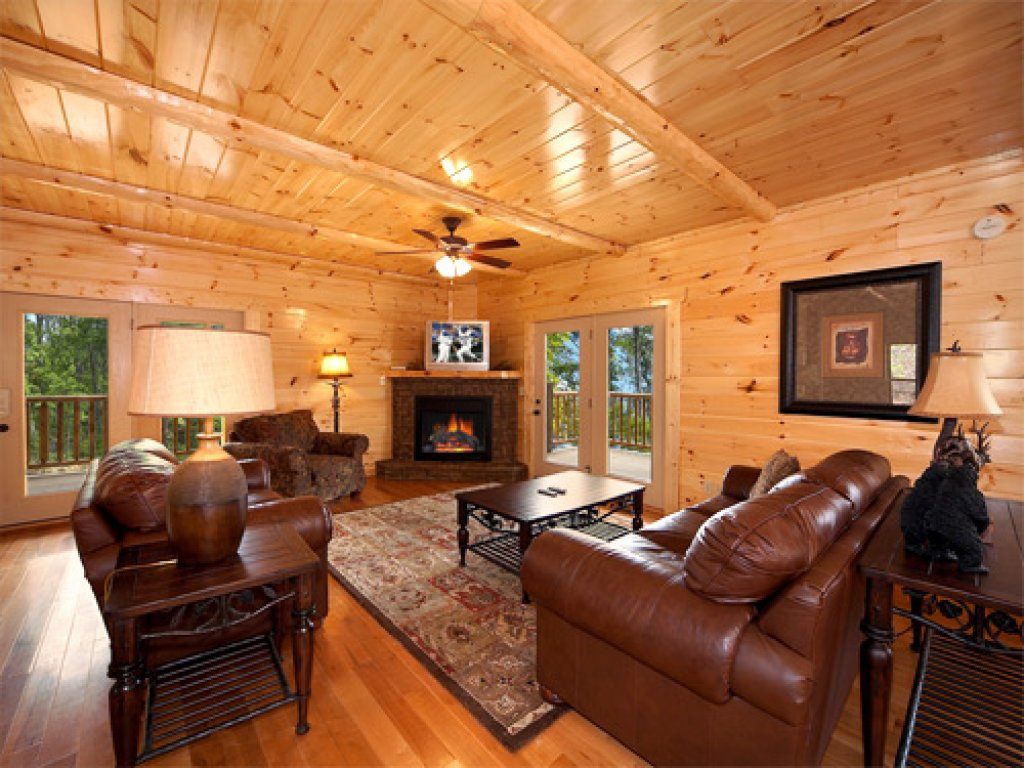 Photo of a Gatlinburg Cabin named Majestic Views - This is the fourth photo in the set.