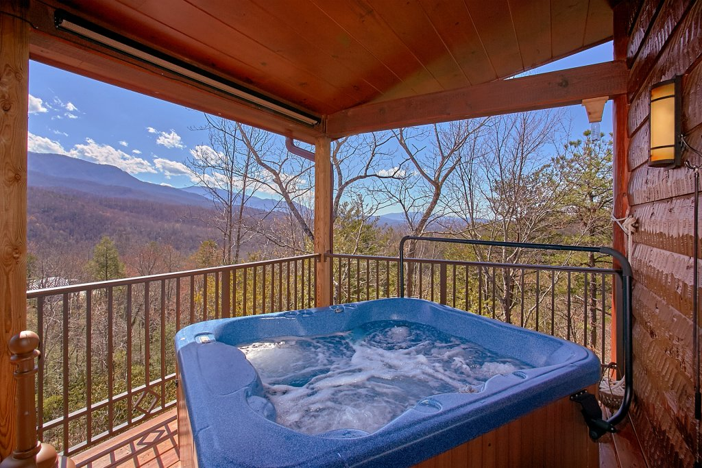 Photo of a Gatlinburg Cabin named Livin It Up - This is the second photo in the set.