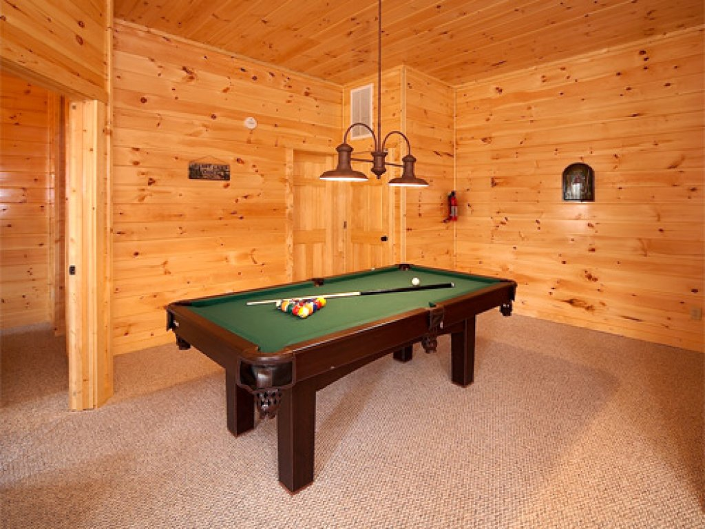 Photo of a Gatlinburg Cabin named Majestic Views - This is the sixth photo in the set.