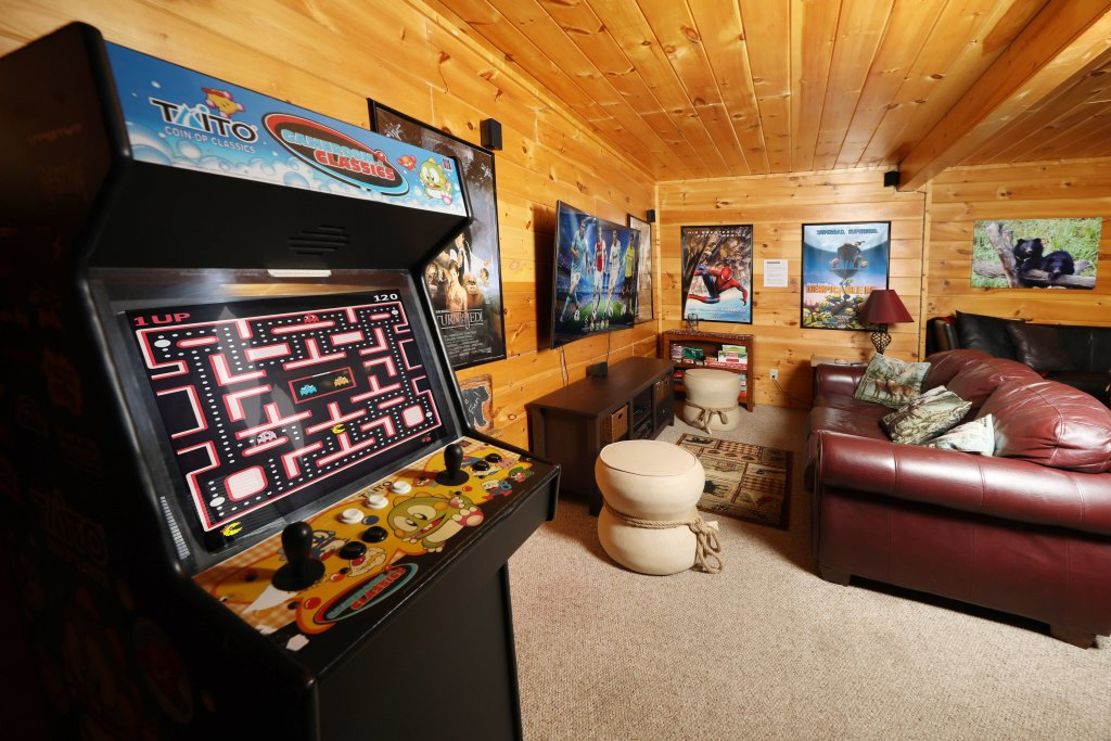 Photo of a Pigeon Forge Cabin named Celebration Lodge - This is the eighteenth photo in the set.