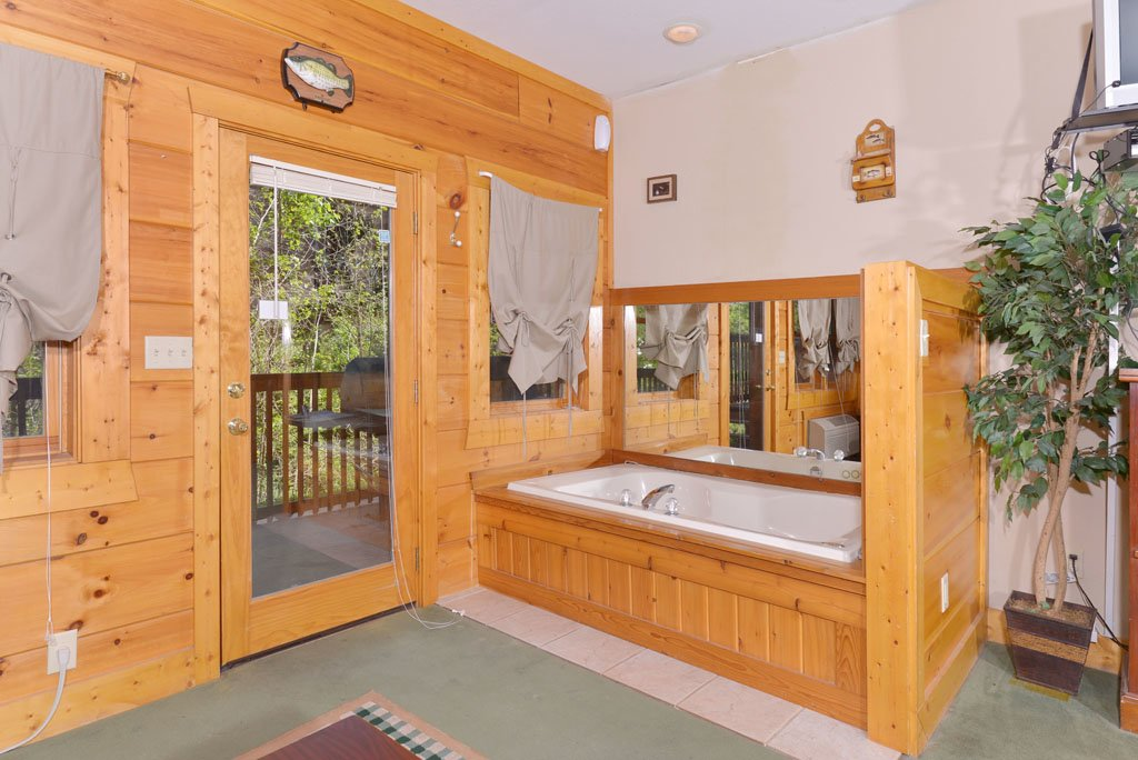 Photo of a Pigeon Forge Cabin named Cozy Bear Cove #288 - This is the seventeenth photo in the set.