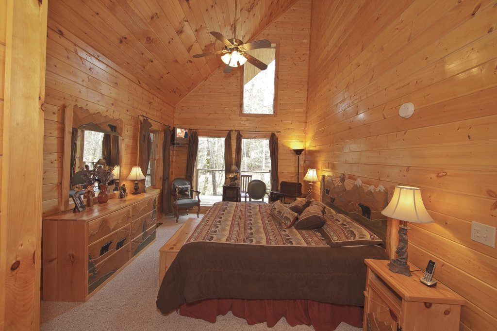 Photo of a Gatlinburg Cabin named Creeksong - This is the twenty-eighth photo in the set.