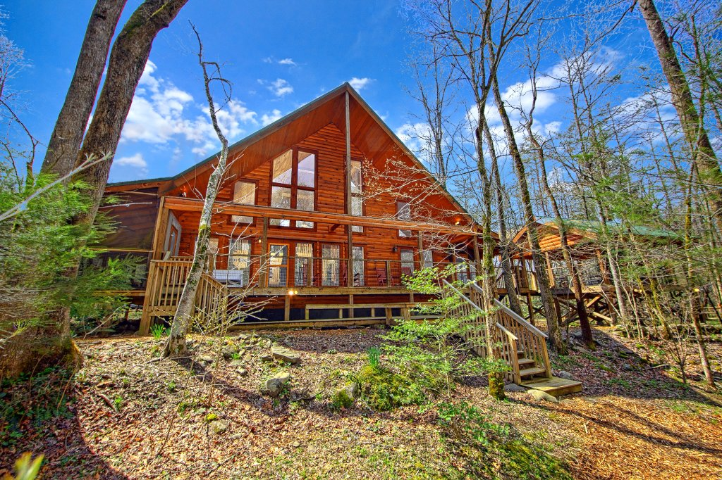 Creeksong cabin in gatlinburg w 4 br sleeps10 for Smoky mountain cabins on the water